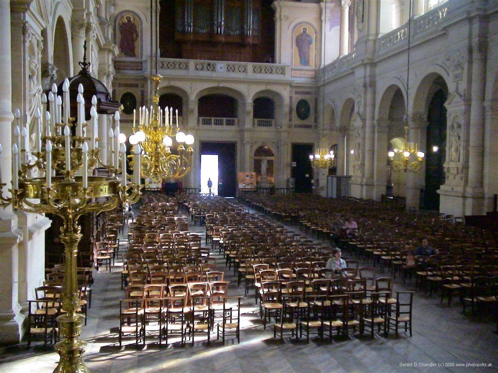 Modest Great Churches, Paris 2005